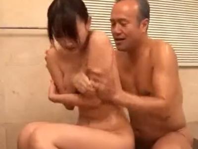 【エロ動画】義父に逆らえず近親相姦レイプ&口内射精を受けいれる巨乳人妻