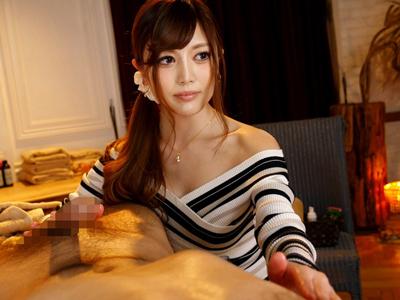 【エロ動画】スレンダー巨乳の美人エステティシャンがカメラの前で電マ・バイブオナニーを披露