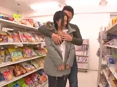 【エロ動画】痴漢されているのに気持ち良くなってフェラチオ&騎乗位を開始する巨乳ビッチなお姉さん