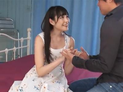 【エロ動画】スレンダー美女がクンニ&手マンを受け潮吹きするまで騎乗位で突かれまくり…!