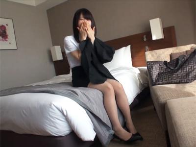 【エロ動画】清楚でロリ巨乳な就活生をホテルに連れ込みハメ撮りセックスで顔射ぶっかけ!